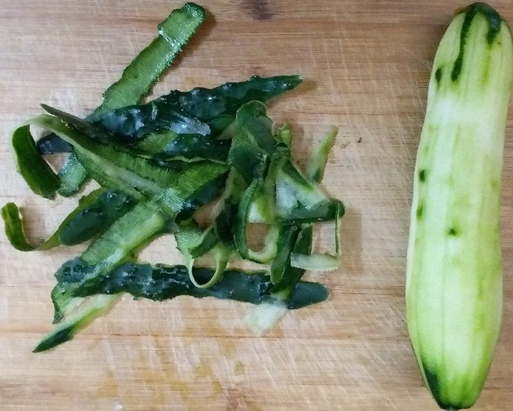 Cucumber Peel and peeled cucumber
